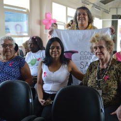 Da direita para a esquerda: Maria Nazaria, Marilia Aparecida, Claudete Liz  Em pé: Gislene Gonçalves Foto: Débora Alves